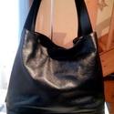 Pakolós fekete női táska, Táska, Válltáska, oldaltáska, Pakolós  fekete női táska egy puha marha borjú box bőrből készítettem.Jellegzetesége hogy hordható v..., Meska