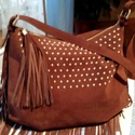 Fiatalosan rojtos hasítottbőr táska, Táska, Válltáska, oldaltáska, Fiatalosan rojtos hasítottbőr női táska. Ezt a táskát egy őz barna hasított bőrből készült amit az e..., Meska