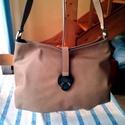 Praktikus és elegáns, Táska, Válltáska, oldaltáska, Ezt a női táskát egy finom marha bőrből készítettem .Belsejében elrejtettem egy cipzáras egy lapos é..., Meska