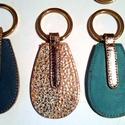 Bőr kulcstartó ajándekba, Dekoráció, Mindenmás, Kulcstartó, Szeretném mindekinek ajánlani ezeket a bőr kulcstartókat aki szeretné meg ajándekozni szeretteit vag..., Meska