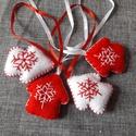 Piros fehér kicsi dísz 4 db, Dekoráció, Karácsonyi, adventi apróságok, Karácsonyi dekoráció, Karácsonyfadísz, Az ár 4 db-ra vonatkozik  Méret: 4 cm + 10 cm szalag  A postaköltség tájékoztató jellegű, több termé..., Meska