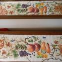 Gyümölcsöskert kézzel festett terítő, Képzőművészet, Textil, Festmény, Festészet, Festett tárgyak, Gíümölcsös kert,gyönyörű egyedi kézzel festett terítő.Csodálatosan szín gazdag romantikus darab. A ..., Meska