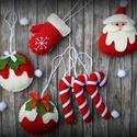 Karácsonyi filc díszek, Dekoráció, Karácsonyi, adventi apróságok, Ünnepi dekoráció, Karácsonyfadísz, Varrás, Gyapjúfilcből készült, 100% kézzel varrt 7 db karácsonyi dísz. Kérhető akasztóval vagy akasztó nélk..., Meska