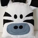 Zebra párna - Zebra figura - Textil zebra - Textil játék - textil figura - zebrás párna , Baba-mama-gyerek, Otthon, lakberendezés, Lakástextil, Párna, Pamutvászon anyagból készült ez a zebra párna, filc applikációval. Puha poliészterrel tömtem ki.   M..., Meska