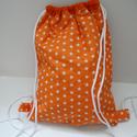Csillagos hátizsák - Csillagos tornazsák - Bélelt hátizsák - Bélelt tornazsák - csillagos textil táska, Táska, Hátizsák, Válltáska, oldaltáska, Tarisznya, Varrás, Csillagos pamutvászon anyagból készült ez a hátizsák vagy tornazsák. Bélése narancssárga pamut anya..., Meska