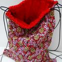 Virágos hátizsák - Virágos tornazsák - Bélelt hátizsák - Bélelt tornazsák - Fesztiváltáska - virágos textil táska, Táska, Hátizsák, Válltáska, oldaltáska, Tarisznya, Pamutvászon anyagból készült ez a hátizsák vagy tornazsák. Bélése piros pamut anyag.   Mérete: nyito..., Meska