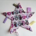 Csillag alakú rongyikendő - Púder rózsaszín rongyi - Szalagos babajáték - textil játék - Baglyos Rongyi - alvókendő , Gyerek & játék, Játék, Baba játék, Készségfejlesztő játék, Baba-mama kellék, Varrás, Szalagos babajátékot készítettem pamut és extra puha minky anyag felhasználásával. A csillag egyik ..., Meska