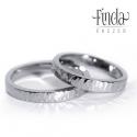 AURA karikagyűrű, Esküvő, Esküvői ékszer, Rusztikus kovácsolt felületű kézzel készült nemesacél karikagyűrűpár, amelyet különleges fényaura ve..., Meska
