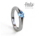 Princess gyűrű kék topázzal, Esküvő, Ékszer, Esküvői ékszer, Gyűrű, Nemesacél gyűrű kék topázzal. A gyűrű 3 mm széles, a kő 4X4 mm princess / négyzet csiszolású. Egyedi..., Meska