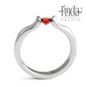 Liliom gyűrű vörös gránáttal, Esküvő, Ékszer, Esküvői ékszer, Gyűrű, Nemesacél gyűrű vörös gránáttal. A gyűrű 3 mm széles, a kő 4 mm átmérőjű kerek csiszolású. Egyedi fo..., Meska
