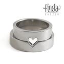 Connection - Szív karikagyűrű, Esküvő, Ékszer, óra, Gyűrű, Connection karikagyűrűk legújabb darabja. A kollekció olyan gyűrűkből áll ami a férfi és a nő összet..., Meska