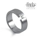 Rustic nemesacél gyűrű fehér cirkóniával , Esküvő, Ékszer, Esküvői ékszer, Gyűrű, Nemesacél női gyűrű fehér cirkóniával. A gyűrű 6 mm széles, a kő 2,5 mm átmérőjű kerek csiszolású. A..., Meska