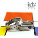 Mondrian nemesacél karikagyűrűpár vésett mintával , Esküvő, Esküvői ékszer, Mondern stílusú nemesacél karikagyűrűpár. A fényes és matt felületeket vékony vonalak választják el ..., Meska