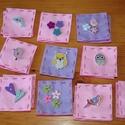 Memóriakártya filcből, Játék, Készségfejlesztő játék, Varrás, Filcből és fa gombokból  készült 5*5 cm-es kézzel készített kártyák (pár mm-es eltérés adódhat). A ..., Meska