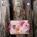 Rózsás menyasszonyi táska , Esküvő, Ruha, divat, cipő, Táska, Válltáska, oldaltáska, Nagyon különleges menyasszonyi táska ha valami egyedire vágysz! :)  Rózsamintás szatén anyagb..., Meska