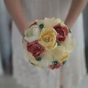Púder menyasszonyi örökcsokor , Esküvő, Esküvői csokor, Mindenmás, Varrás, Ha szeretnéd emlékbe eltenni a menyasszonyi csokrod válassz örökcsokrot. :)  Visszafogott, romantik..., Meska