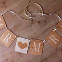 Mr és Mrs felfűzhető betű dekoráció esküvőre, Esküvő, Esküvői dekoráció, A Mr és Mrs betűk felfűzhetők dekorációként a főasztal elé de a főasztal mögötti díszítés része is l..., Meska