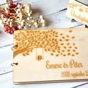 Esküvői vendégkönyv gravírozott fa fedlappal, Esküvő, Esküvői dekoráció, Meghívó, ültetőkártya, köszönőajándék, Különleges megjelenésű, személyre szabott vendégkönyv, melybe biztosan szívesen ír útravaló jókíváns..., Meska