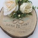 """""""Simplicity"""" gyűrűtartó esküvőre, fotózásra , Kb 20 cm-es faszeletet díszítettem ekrü selyemv..."""