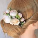 Menyasszonyi virágos hajfésű, hajdísz , Sok-sok bézs, ekrü, pasztel pink bazsarózsa és...