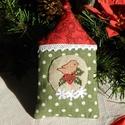 Téli madárház - karácsonyfa dísz, Dekoráció, Ünnepi dekoráció, Karácsonyi, adventi apróságok, Karácsonyi dekoráció, Karácsonyi házikót készítettem a kis madárka részére. A házikóban a képet keresztszemes hímzéssel va..., Meska