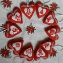 Filc hímzett szív készlet - karácsonyfadíszek ünnepi mintákkal, Karácsonyi, adventi apróságok, Otthon, lakberendezés, Karácsonyfadísz, Karácsonyi dekoráció, 10 db karácsonyi szívet tartalmaz ez a csomag. A különböző mintákat keresztszemes hímzéssel varrtam ..., Meska