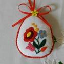 Húsvéti hímzett tojások, Dekoráció, Magyar motívumokkal, Ünnepi dekoráció, Húsvéti apróságok, Kalocsai motívumokból merítettem a textiltojások hímzésmintáit. Napszövetre hímeztem, és a stílushoz..., Meska