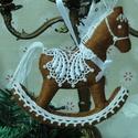 Hintalovacska, Otthon, lakberendezés, Filcből készítettem ezt a karácsonyi dekorációt. Aprólékos kidolgozás, minőségi anyag felhasználás j..., Meska