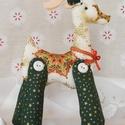 Karácsonyi rénszarvas, Otthon, lakberendezés, Asztaldísz, Tündöklő rénszarvas díszt készítettem kiváló minőségű, különleges karácsonyi textilből. Egyedi, eleg..., Meska