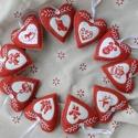 Filc karácsonyi szívek, Dekoráció, Ünnepi dekoráció, Karácsonyi, adventi apróságok, Karácsonyfadísz, Keresztszemes hímzés díszíti ezeket a filc szíveket, amelyek mintái a karácsonyt idézik. A filcet mé..., Meska