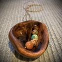 Szőlőtőke ásvány sorral nyaklánc, Tavasszal talált szőlőtőke fájából készít...