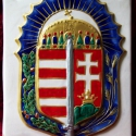 Vitézi rend címere, Dekoráció, Magyar motívumokkal, Dísz, Kézzel festett, domború, aranyozott, fehér agyagból készült kerámia vitézi címer. 19x25 cm, Meska