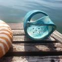 Tengerkék fogkefetartó, Izgalmas hullám forma; nagyon egyedi darab! A ten...