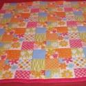 UTOLSÓ DARAB!!!.Patchwork mintás  játszószőnyeg ajándék textil babakockával