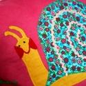 Pink virágos csiga-bigás párnácska, Baba-mama-gyerek, Gyerekszoba, Falvédő, Párna, Patchwork, foltvarrás, Varrás,  Pink pamutvászonra türkizkék alapon virágmintás karton anyagból applikációs technikával készítette..., Meska