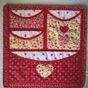 Piros- fehér szivecskés zsebes tároló, Otthon, lakberendezés, Falikép, Tárolóeszköz, Piros mintás vászonanyagokból készítettem ezt a tárolót. A zsebek tetejét fehér alapon piros mintás ..., Meska