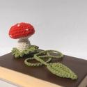 Gomba 3D könyvjelző, Otthon & lakás, Naptár, képeslap, album, Könyvjelző, A könyvből kinőtt gomba egy eredeti könyvjelző. Pamut-akril, könnyen mosható fonalból horgoltam, saj..., Meska