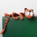 Tigris, vicces könyvjelző , Naptár, képeslap, album, Mindenmás, Könyvjelző, Furcsaságok, Még a bátor tigrisek is beszorulhatnak egy könyvbe! Ez a példány is épp szabadulni igyekszik a könyv..., Meska