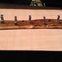 Rusztikus akácfa csiszolva lakkozva öt darab rozsdamentes akasztóval., Otthon, lakberendezés, Tárolóeszköz, Famegmunkálás, Fémmegmunkálás, Rusztikus akácfa csiszolva lakkozva rozsdamentes akasztókkal szerelve . 71 cm hosszu 12 cm széles 2..., Meska