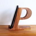 """Mobiltartó """"P"""" betűvel, Otthon & lakás, Egyéb, Lakberendezés, Tárolóeszköz, Polcra, éjjeli szekrényre, kis asztalra helyezhető, """"P"""" betű formájú asztali mobiltartó.  Anyaga: 28..., Meska"""