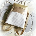 3 in1 gold-gold hátizsák/válltáska, Táska, Válltáska, oldaltáska, Egy újabb háromfunkciós táskát készítettem pezsgő arany,metál arany és fehér nyomott mintás műbőrből..., Meska