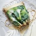 Summer/ tropical-hátizsák, Táska, Hátizsák, Trópusi levél mintás vastag és erős vászon,és pezsgő arany színű műbőr  felhasználásával készítettem..., Meska