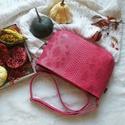 Kistáska pink /gránátalma színű, Kiváló minőségű műbőrből  és készítette...