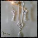 Hófehér , Ékszer, Esküvő, Ékszerszett, Nyaklánc, Ezt a nyakláncot az anyagok találkozása tette különlegessé! Hosszú nyaklánc festett fehér deres achá..., Meska
