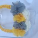 Színes virágos, Anyák napja, Ékszer, Nyaklánc, Napsárga zsinórból készűlt színes virágokkal díszítve.  Csinos és elegáns lehet a nyári ruhatárad ki..., Meska