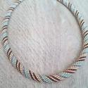 Csíkos PWAT hurka nyaklánc, Eladó a képen látható nyaklánc, ami PWAT tech...