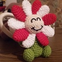 Horgolt mini virág, Játék, Játékfigura, Horgolás, Horgolt, amigurumi technikával készült vidám tavaszváró mini virág. Mérete kb 10 cm. Más színben is..., Meska