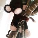 Függöny fogó majom, Dekoráció, Baba-mama-gyerek, Játék, Gyerekszoba, Horgolás, Amigurumi technikával készült függönyfogó maki, magassága kb 15 cm, a karok hossza igény szerint ké..., Meska