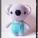 Bobo a kis koala - horgolt amigurumi, Játék, Játékfigura, Plüssállat, rongyjáték, Horgolás, Horgolt koala. Vatelinnel töltve és biztonsági szemmel készült Méret kb 17 cm. Színei: Szürke, fehé..., Meska