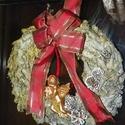 Téli-angyalkás , ajtódísz,koszorú,kopogtató, Dekoráció, Otthon, lakberendezés, Koszorú, Ajtódísz, kopogtató, Virágkötés, Mindenmás, Téli,karácsonyi angyalkás  ajtódísz díszitheti lakásod,enyhén csillogó csillámos méret 23-25cm  , Meska